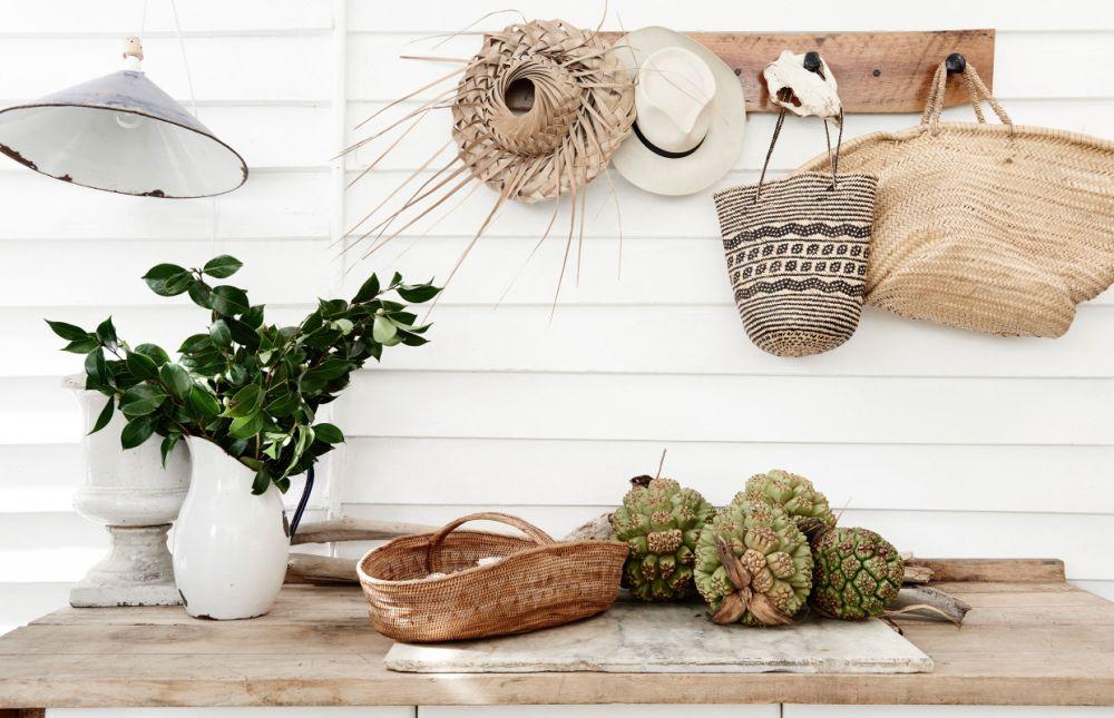 adelaparvu.com despre casa mica din lemn alba frumos decorata, design Kara Rosenlund (20)