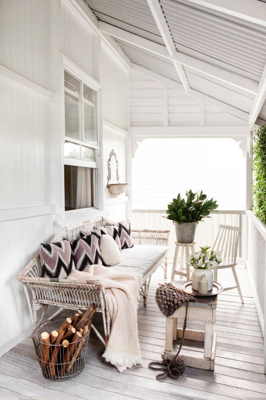 adelaparvu.com despre casa mica din lemn alba frumos decorata, design Kara Rosenlund (23)