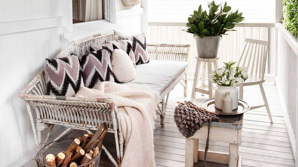adelaparvu.com despre casa mica din lemn alba frumos decorata, design Kara Rosenlund (24)