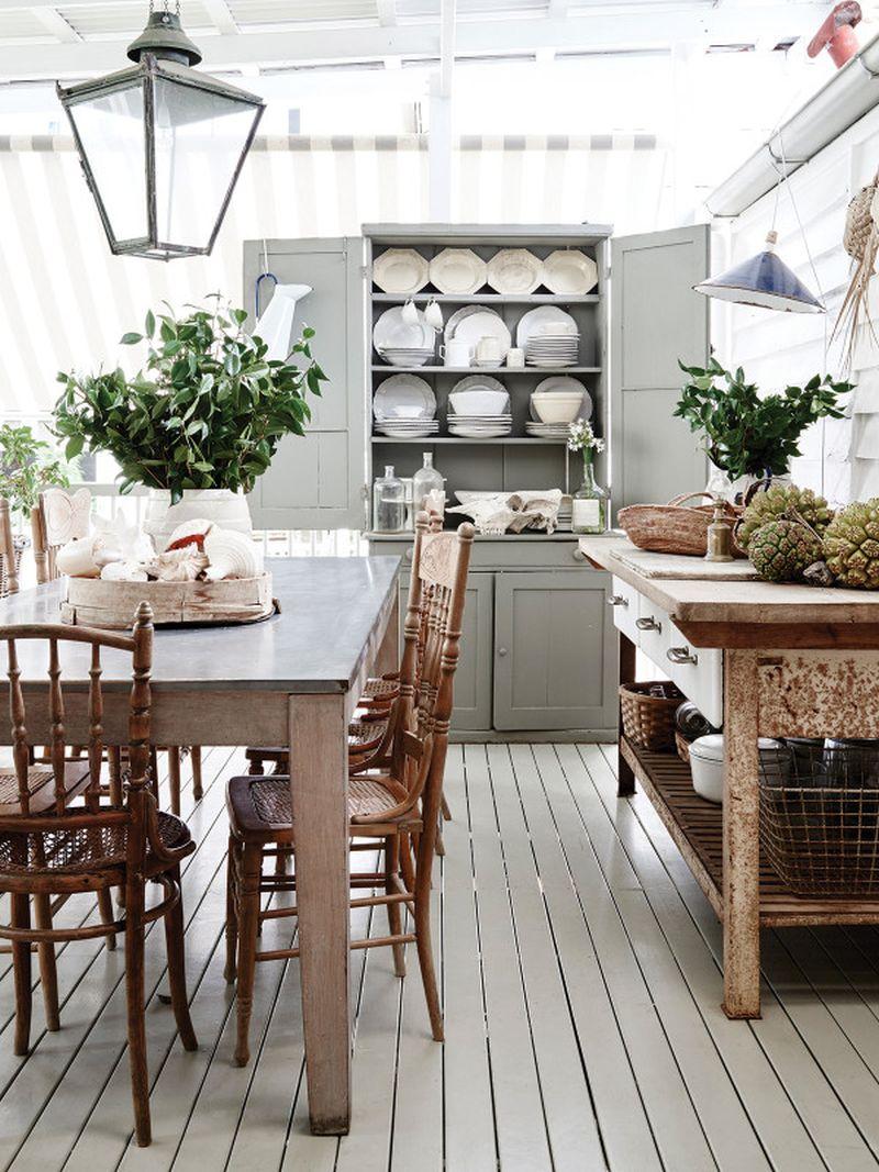 adelaparvu.com despre casa mica din lemn alba frumos decorata, design Kara Rosenlund (8)
