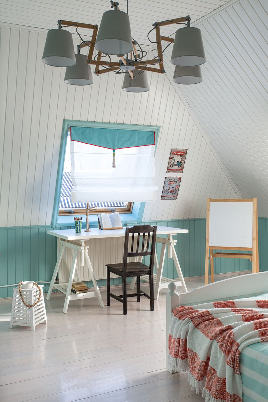adelaparvu.com despre casa de vacanta colorata, designer Zhenya Zhdanova (4)