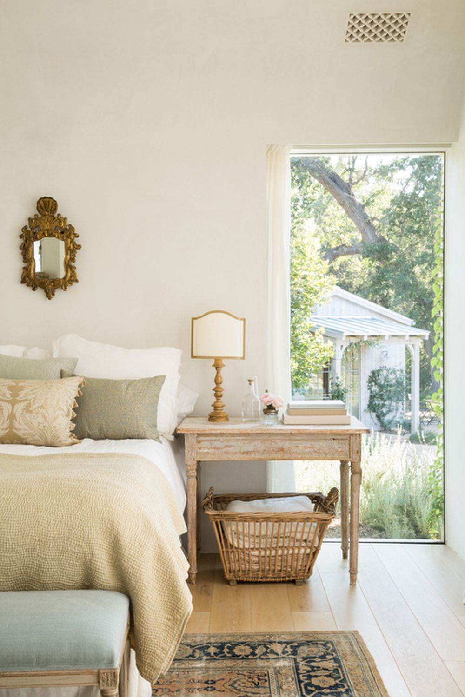 adelaparvu.com despre Patina Farm, California, dormitor matrimonial, arhitectura si design Giannetti Home
