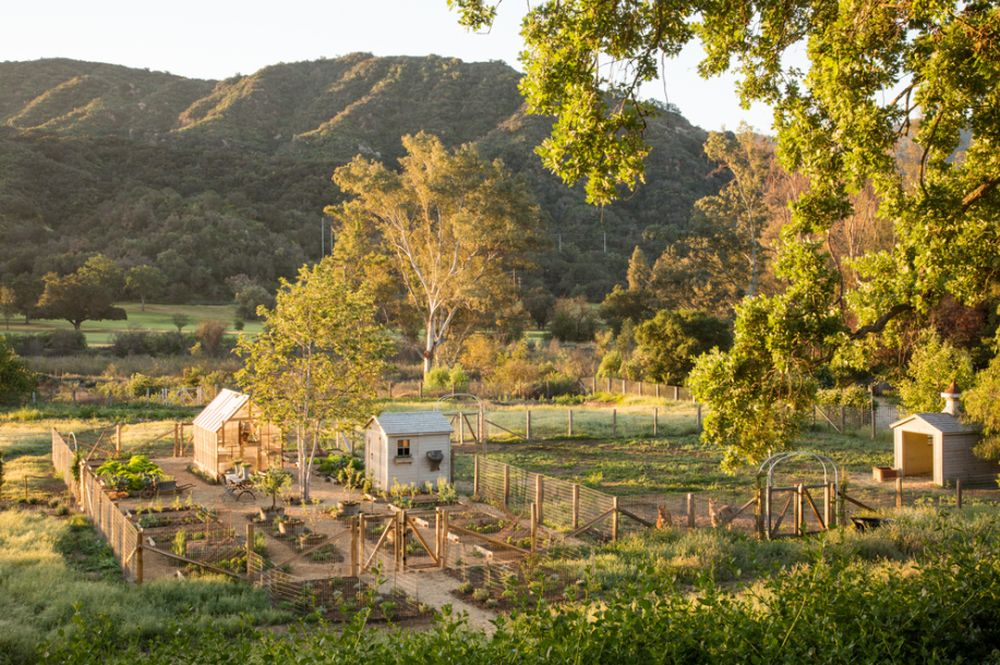 adelaparvu.com despre Patina Farm, California, gradina, Arhitectura si Design Giannetti Home