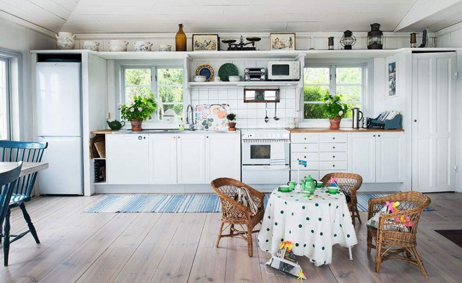 adelaparvu.com despre casa din lemn de vacanta, Suedia, Foto Anne Nyblaeusa (12)