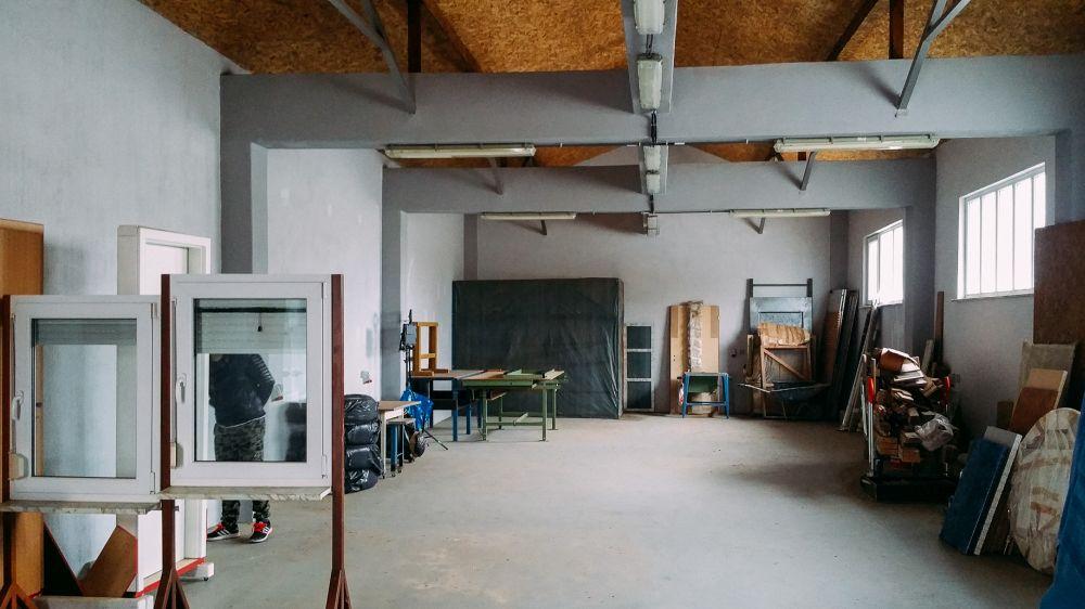 adelaparvucom-despre-foto-studio-in-constanta-romania-arhc-sergiu-zmeu-foto-andrei-nemisrchi-super33studio-38