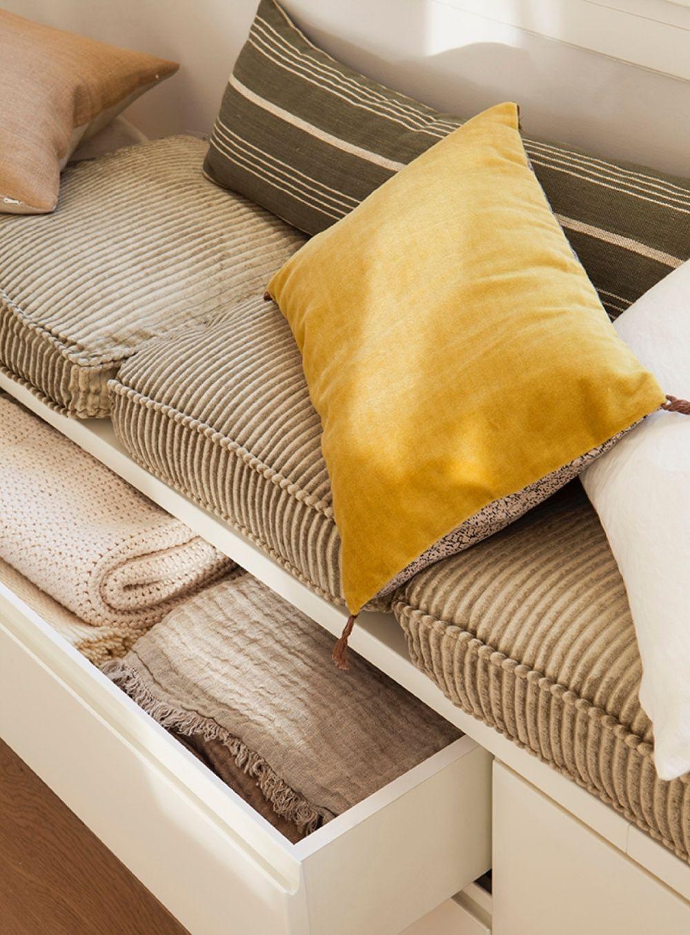 adelaparvu-com-despre-apartament-cald-in-tonuri-neutre-locuinta-spania-design-interior-laura-argelich-si-carla-casanova-foto-jordi-canosa-elmueble-10