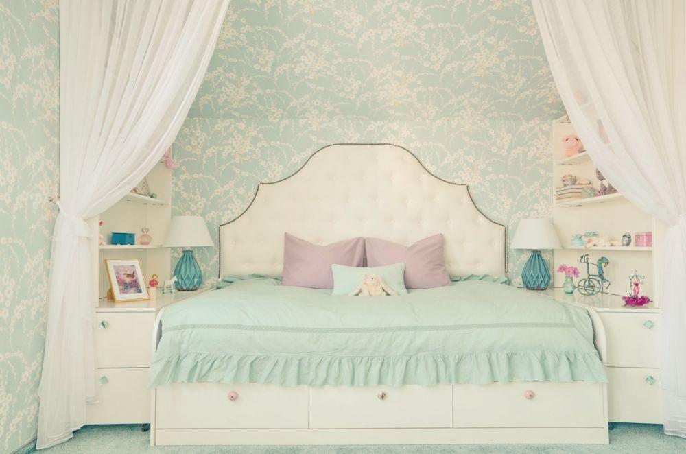 Fetița mea visează să fie ca o prințesă și îi place Elsa. Design Simona Ungureanu