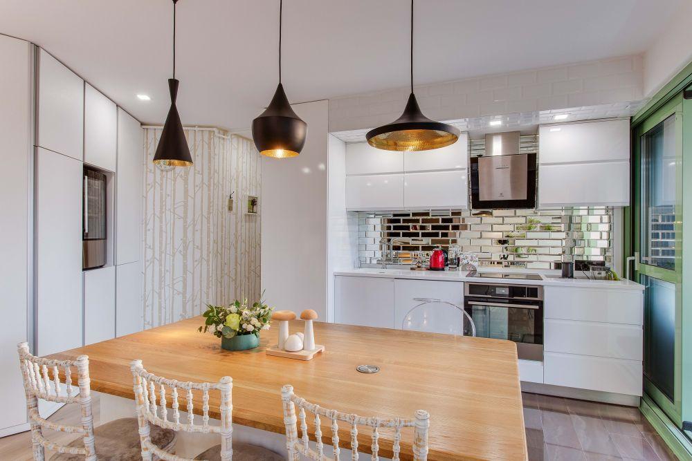 Ne dorim în bucătărie scaunele furate de la nuntă. Desing Ana-Maria Lungan, Raluca-Pavel - Design your space