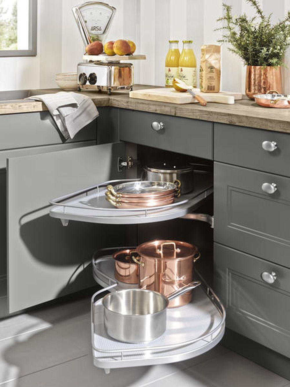 in foto sistem de colt pentru bucatarie Nolte model Windsor de la Kika