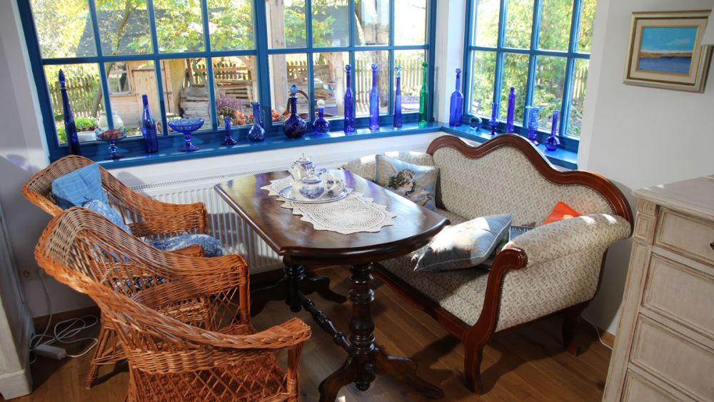 adelaparvu-com-despre-casa-rustica-cu-albastru-foto-domoplustv-4
