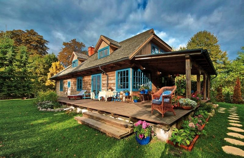adelaparvu-com-despre-casa-rustica-cu-albastru-polonia-foto-michal-mrowiec-weranda-country-8