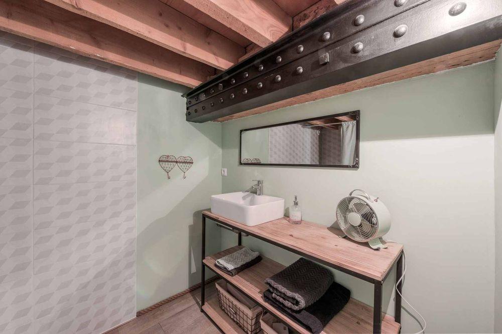 adelaparvu-com-despre-apartament-in-lion-101-mp-espaces-atypiques-foto-alexandre-montagne-20