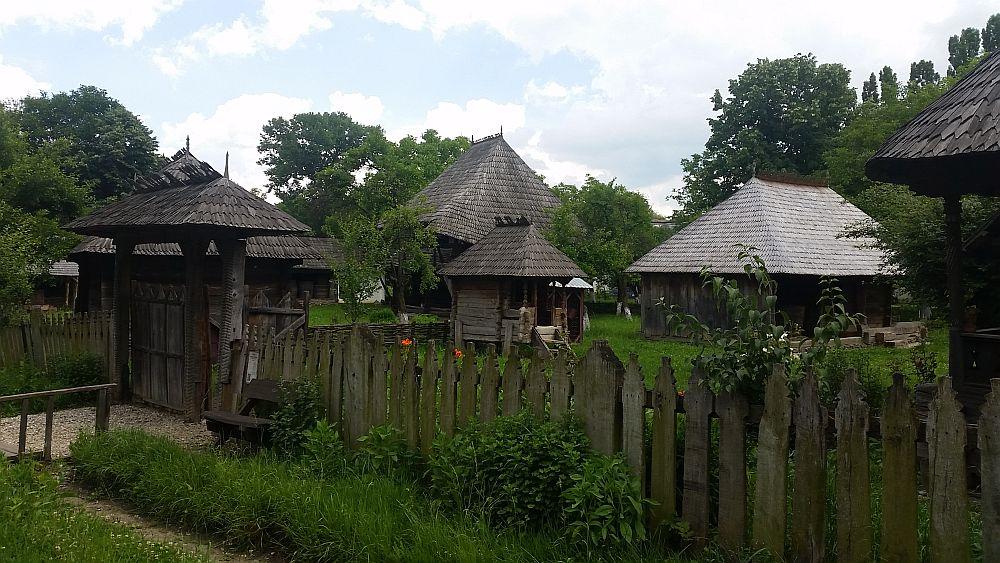 adelaparvu-com-despre-case-traditionale-romanesti-muzeul-viticulturii-si-pomiculturii-golesti-jud-arges-romania-foto-adela-parvu-30