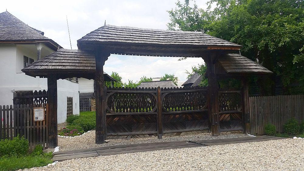 adelaparvu-com-despre-case-traditionale-romanesti-muzeul-viticulturii-si-pomiculturii-golesti-jud-arges-romania-foto-adela-parvu-6