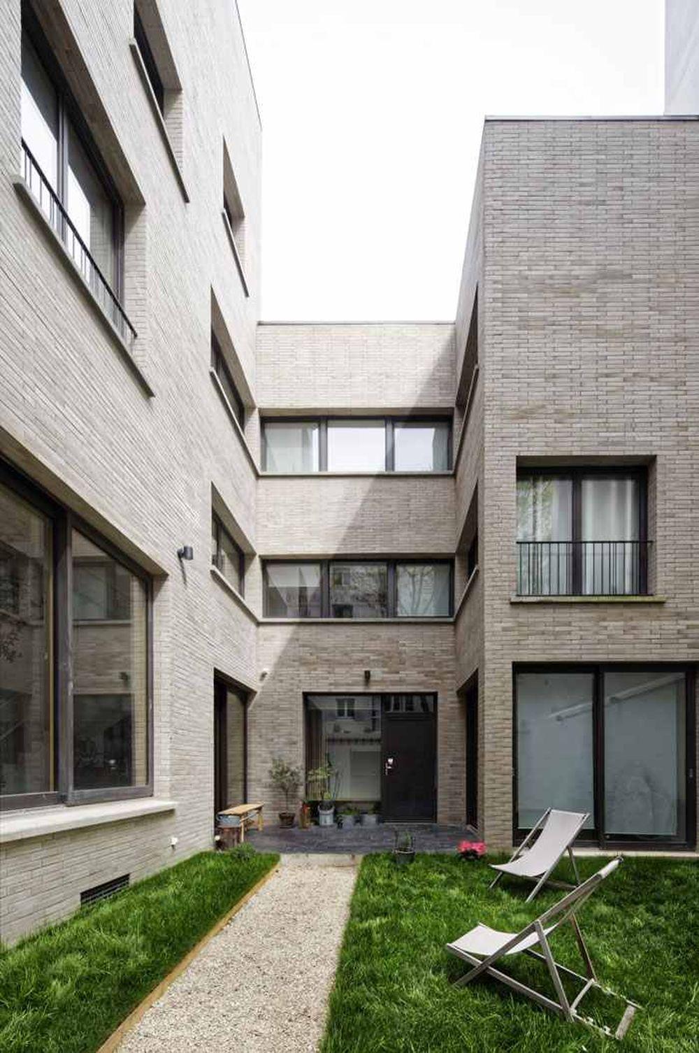 adelaparvu-com-despre-locuinta-cu-masa-prelungita-din-pardoseala-design-hardel-libihan-architects-paris-3