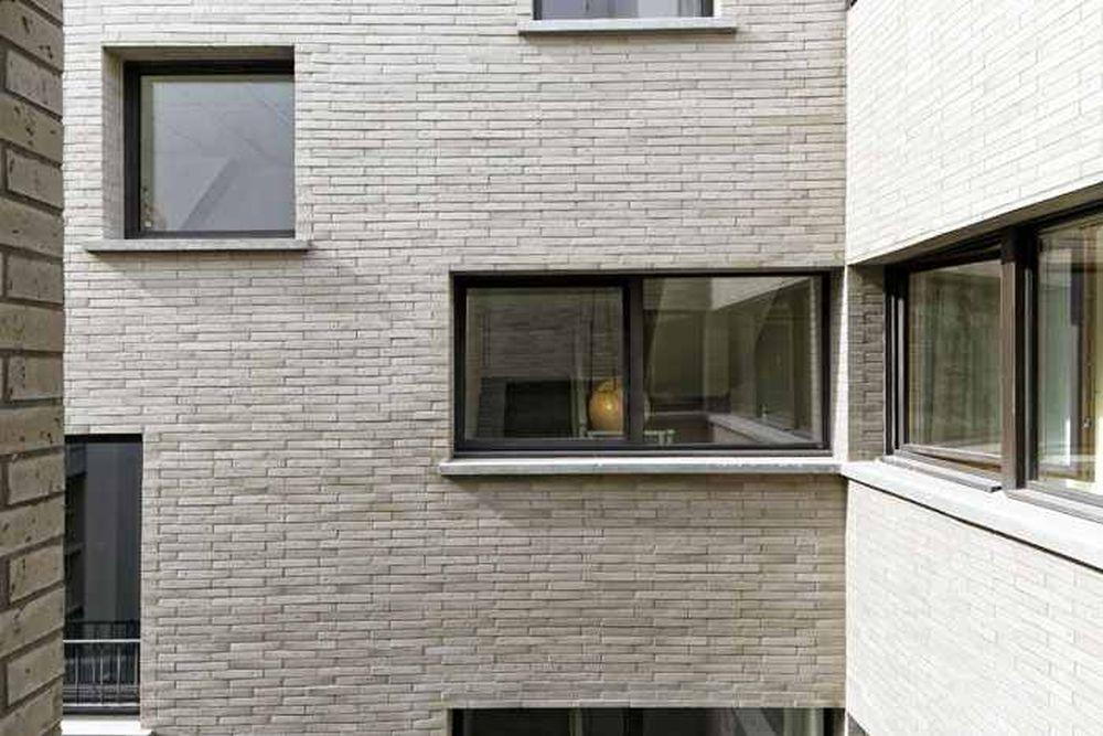 adelaparvu-com-despre-locuinta-cu-masa-prelungita-din-pardoseala-design-hardel-libihan-architects-paris-6