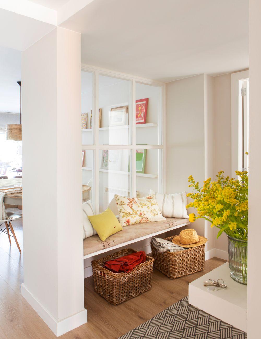adelaparvu.com despre 30 solutii pentru separarea usii de la intrare, hol creat cu mobila si paravane, Foto El Mueble