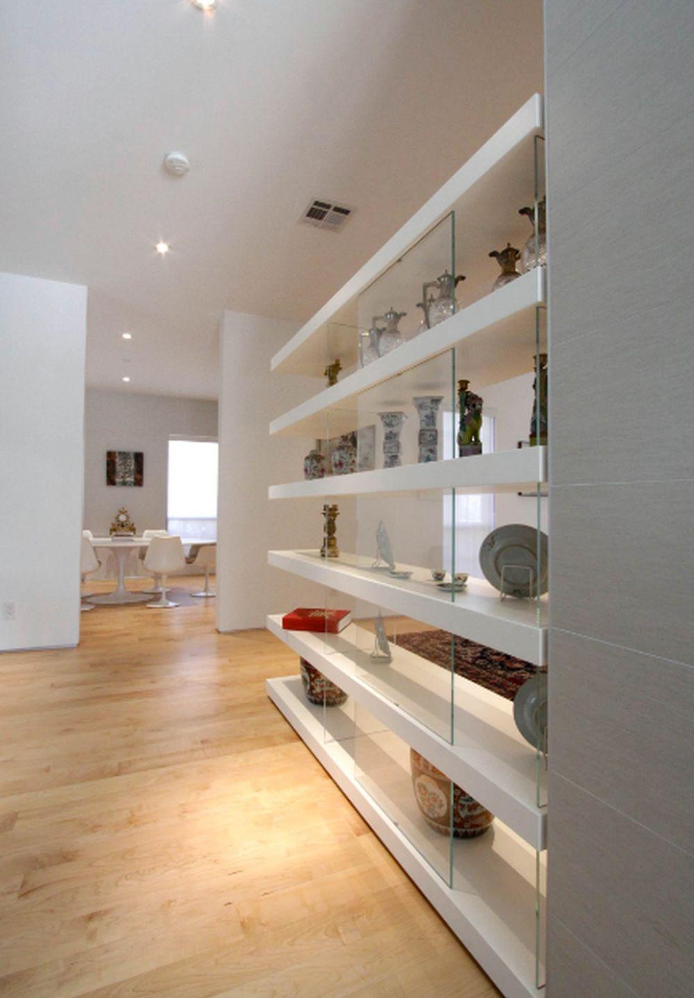 adelaparvu.com despre 30 solutii pentru separarea usii de la intrare, hol creat cu mobila si paravane, Foto M+A Architecture Studio