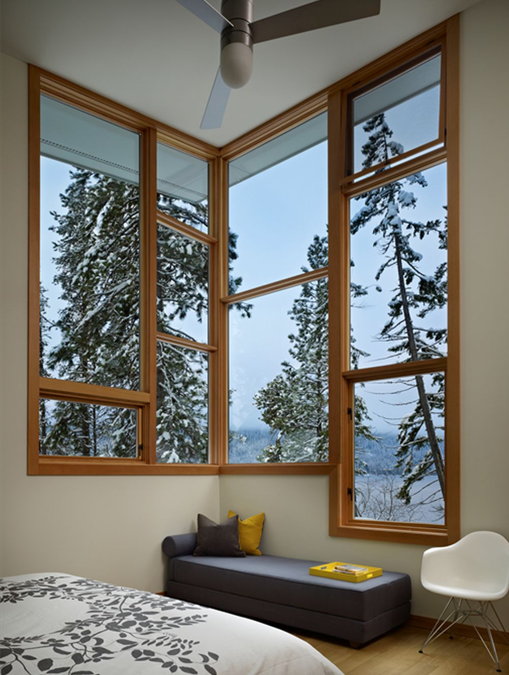 adelaparvu.com despre casa de vacanta contemporana, Design DeForest Architects, Foto Benjamin Benschneider (11)