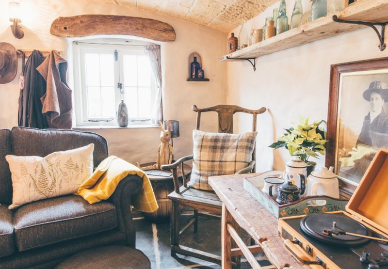 adelaparvu.com despre casa de vacanta cu carute anexate, casa Nomad, Marhamchurch, Cornwall, UK, Foto Unique Home Stays (22)