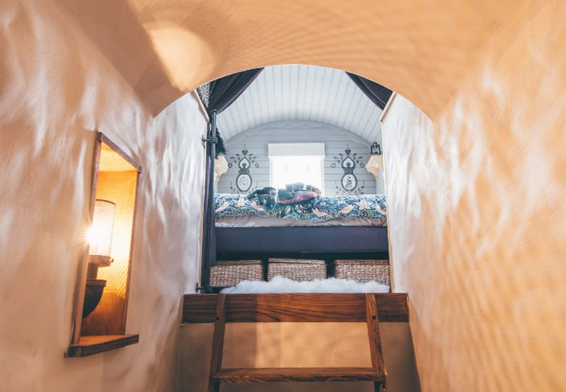 adelaparvu.com despre casa de vacanta cu carute anexate, casa Nomad, Marhamchurch, Cornwall, UK, Foto Unique Home Stays (25)