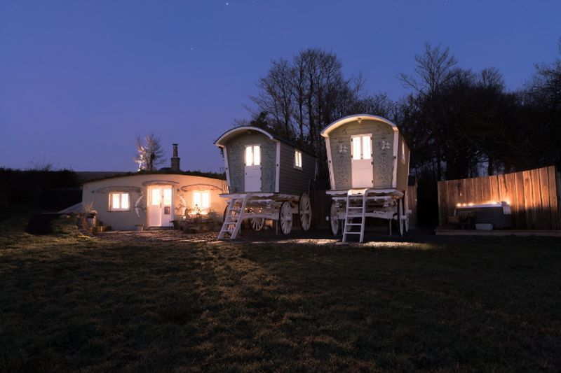 adelaparvu.com despre casa de vacanta cu carute anexate, casa Nomad, Marhamchurch, Cornwall, UK, Foto Unique Home Stays (26)