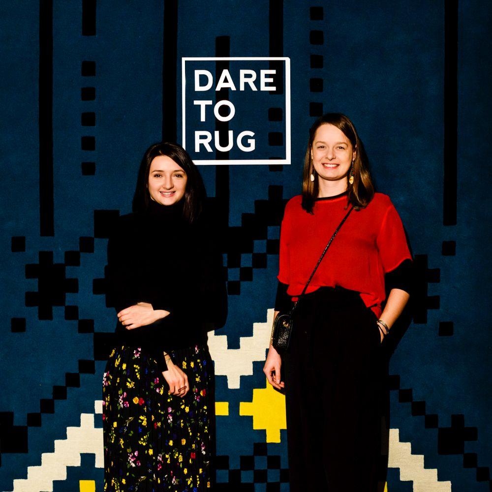 Andreea Batros (stânga) și Flavia Scînteanu, talentatele arhitecte de la Dare to Rug
