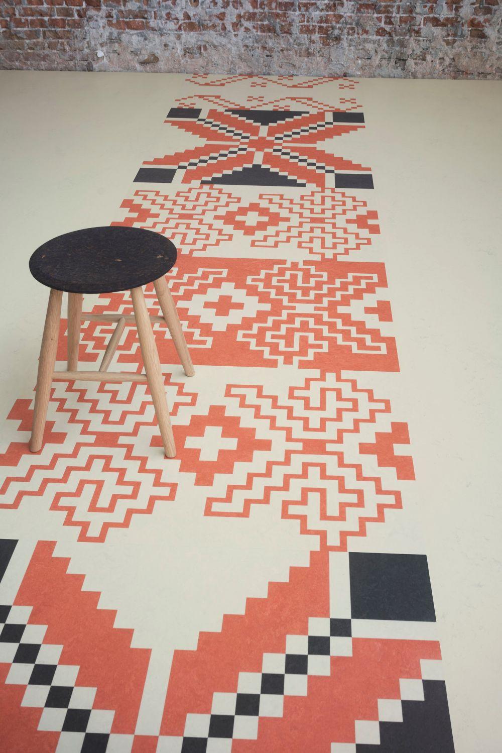 adelaparvu.com despre linoleum Forbo cu motive romanesti, colectia Folk, model combinat, design Dare to Rug (2)