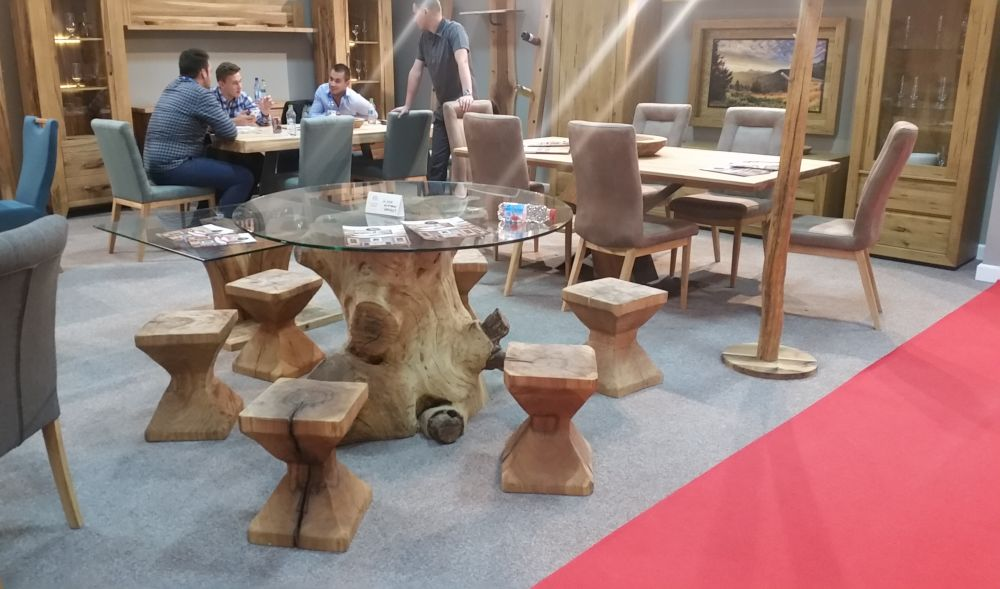 Mobila produsă de Select Wood
