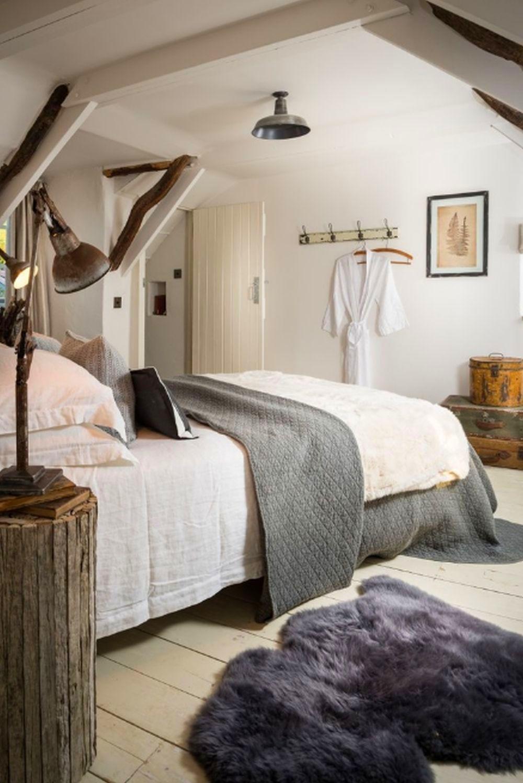adelaparvu.com despre casa cu acoperis din stuf, casa UK, The Fable, Foto Unique Home Stays (8)