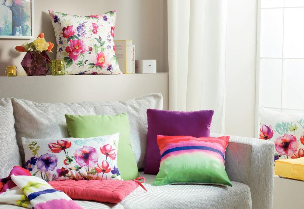 adelaparvu.com despre colorarea casei cu decoratiuni textile, Foto Kika Aquarell -2