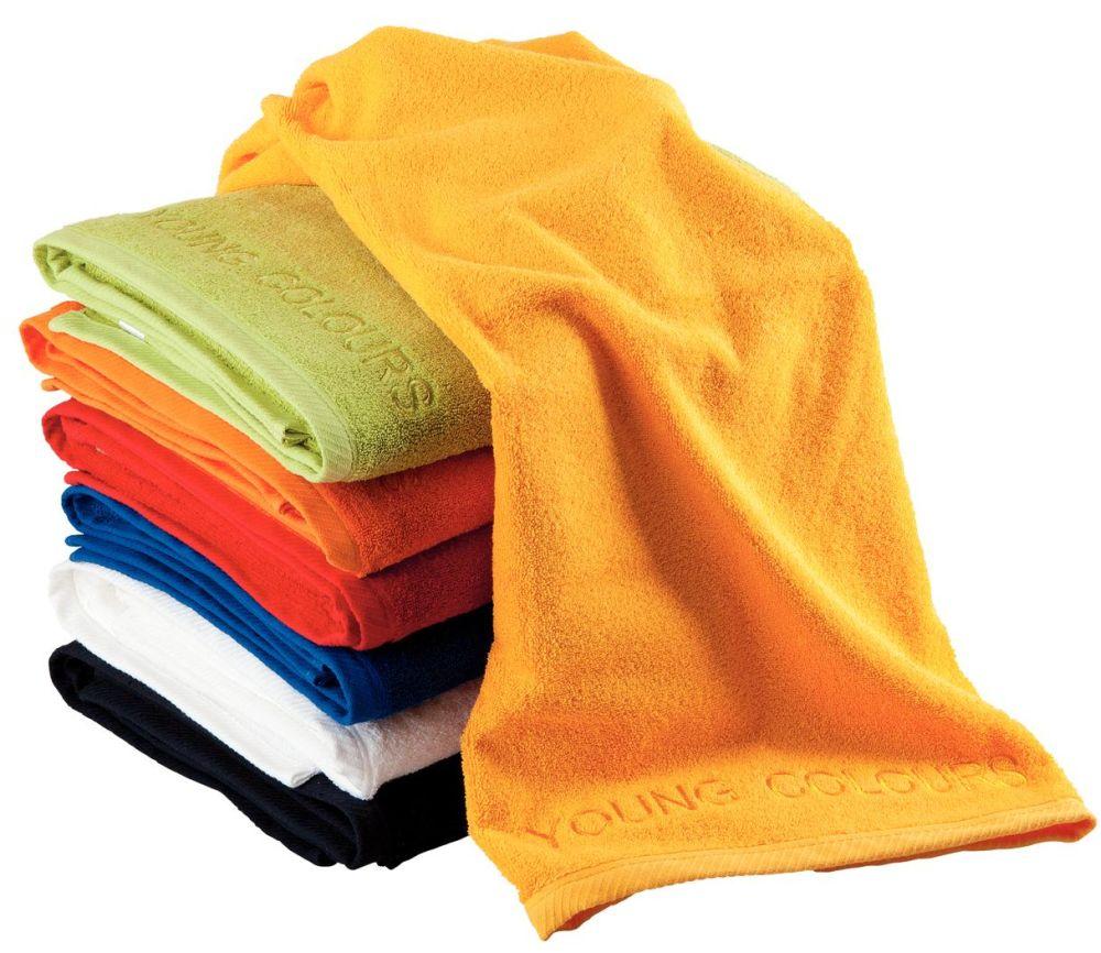 adelaparvu.com despre colorarea casei cu decoratiuni textile, Foto Kika young colours-2