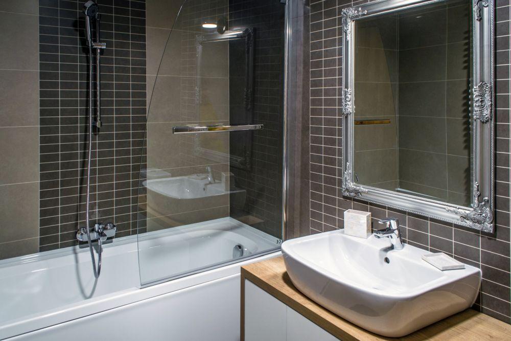 adelaparvu.com despre amenajare apartament 3 camere Bucuresti, 83 mp, Design arh. Sergiu Califar, Pure Mess (18)