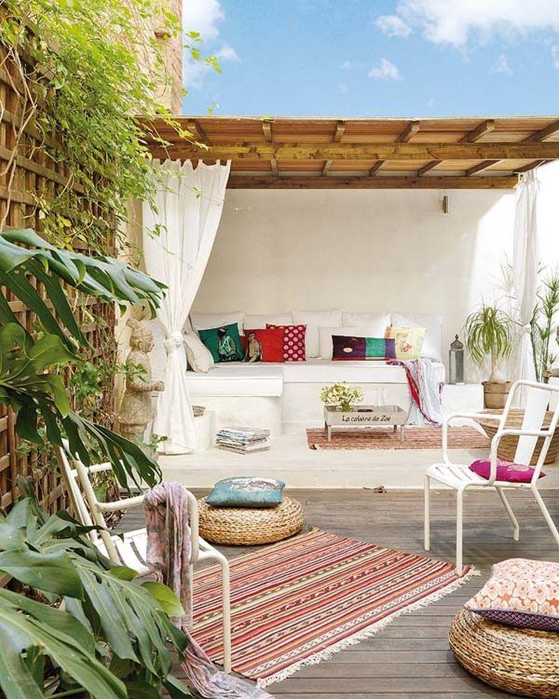 adelaparvu.com despre apartament lung la mansarda, Barcelona, designer Mireia Pla (1)