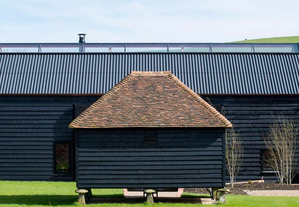adelaparvu.com despre hambar spectaculos transformat, Arhitectura Liddicoat & Goldhill, Foto Will Scott (23)