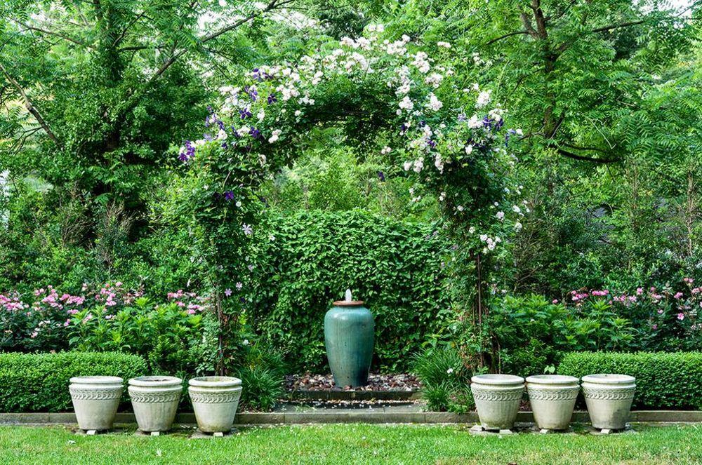 adelaparvu.com despre tunderea corecta a Clematisului, Text Carli Marian, Foto Garden Gate Landscaping