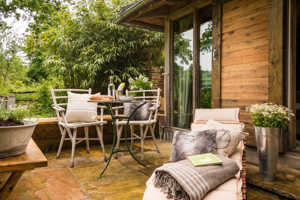 adelaparvu.com despre casa de vacanta pentru cuplu, Little Bear, Billingshurst, Sussex, Foto Unique Home Stays (10)