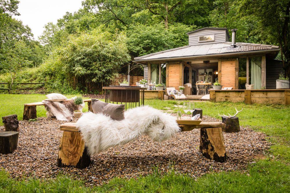 adelaparvu.com despre casa de vacanta pentru cuplu, Little Bear, Billingshurst, Sussex, Foto Unique Home Stays (19)