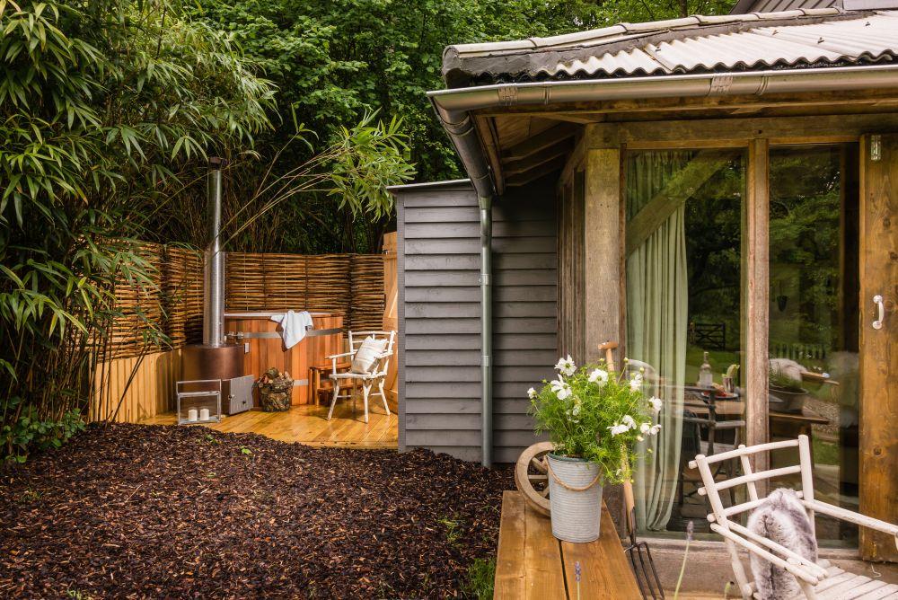 adelaparvu.com despre casa de vacanta pentru cuplu, Little Bear, Billingshurst, Sussex, Foto Unique Home Stays (22)