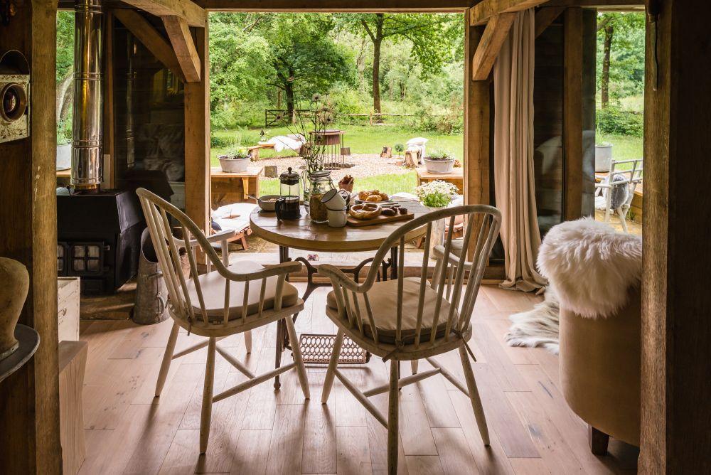 adelaparvu.com despre casa de vacanta pentru cuplu, Little Bear, Billingshurst, Sussex, Foto Unique Home Stays (26)