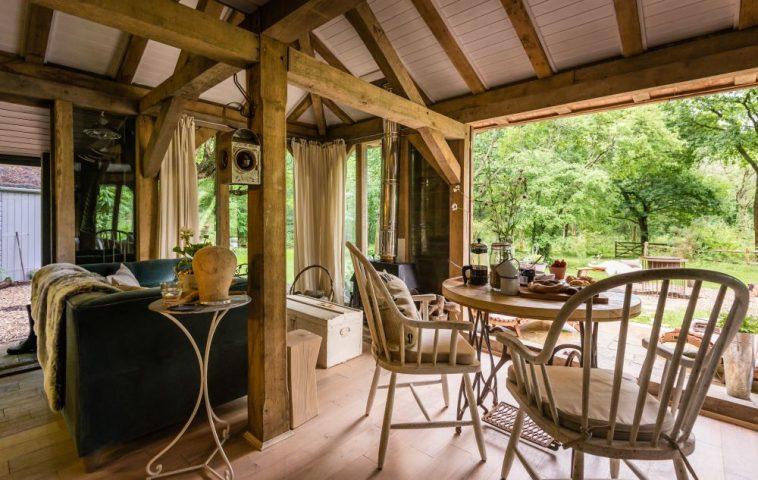 adelaparvu.com despre casa de vacanta pentru cuplu, Little Bear, Billingshurst, Sussex, Foto Unique Home Stays (27)