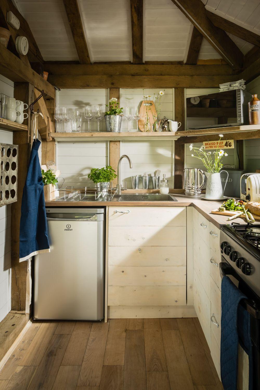 adelaparvu.com despre casa de vacanta pentru cuplu, Little Bear, Billingshurst, Sussex, Foto Unique Home Stays (28)