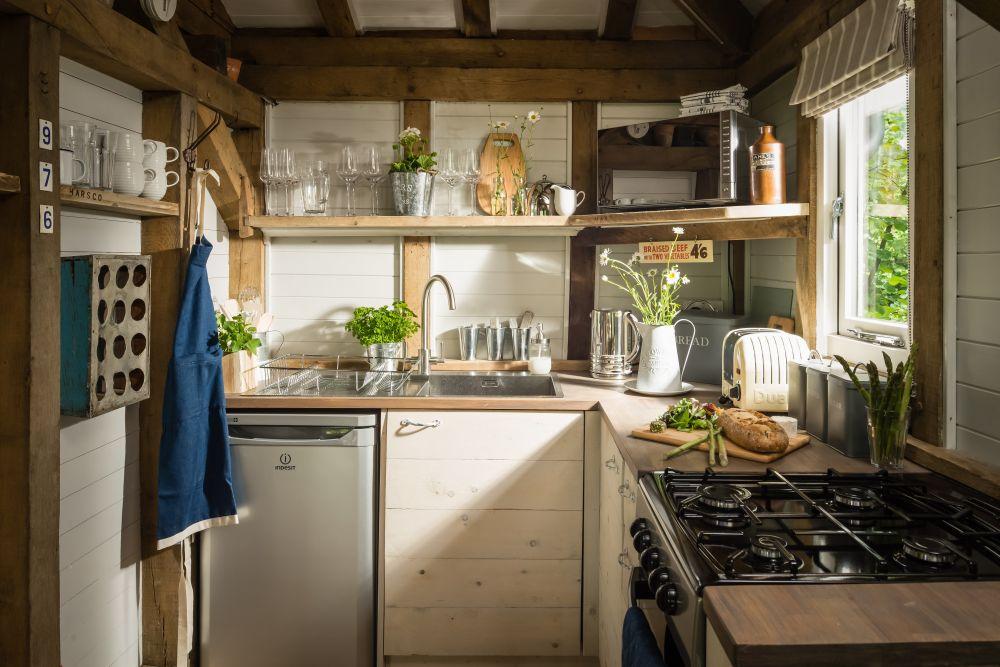 adelaparvu.com despre casa de vacanta pentru cuplu, Little Bear, Billingshurst, Sussex, Foto Unique Home Stays (29)