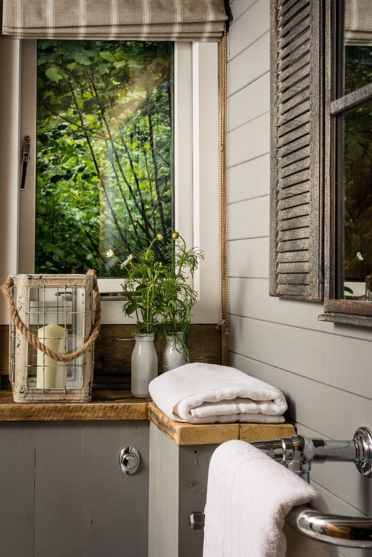 adelaparvu.com despre casa de vacanta pentru cuplu, Little Bear, Billingshurst, Sussex, Foto Unique Home Stays (32)