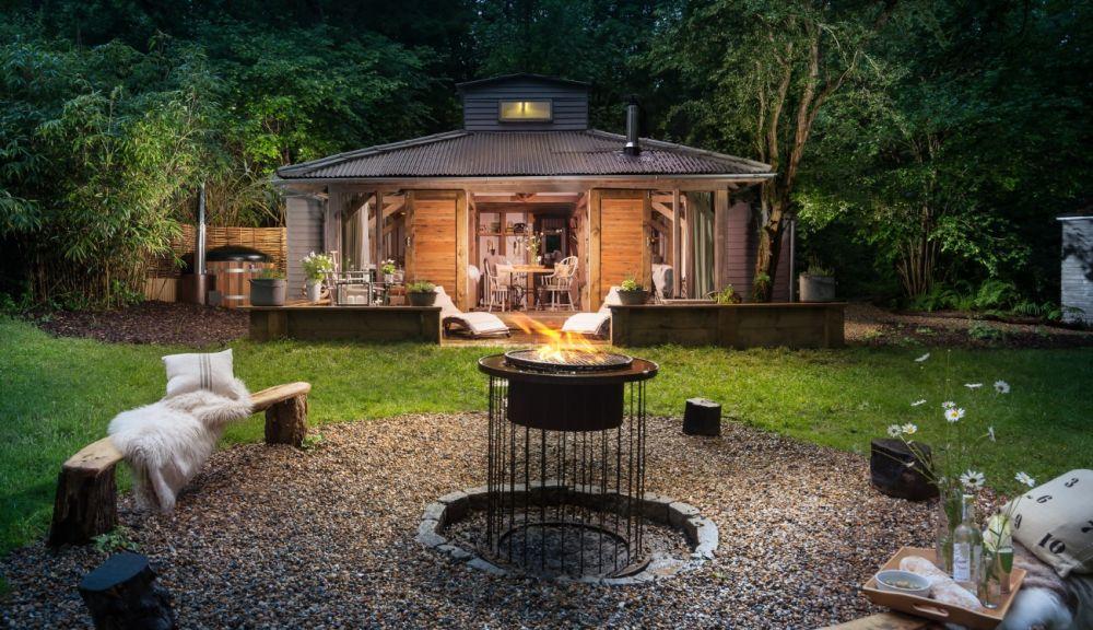 adelaparvu.com despre casa de vacanta pentru cuplu, Little Bear, Billingshurst, Sussex, Foto Unique Home Stays (35)
