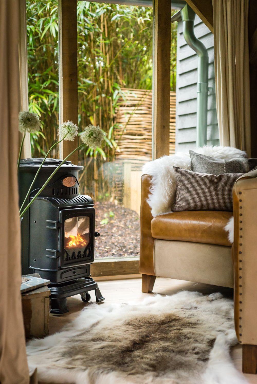 adelaparvu.com despre casa de vacanta pentru cuplu, Little Bear, Billingshurst, Sussex, Foto Unique Home Stays (4)