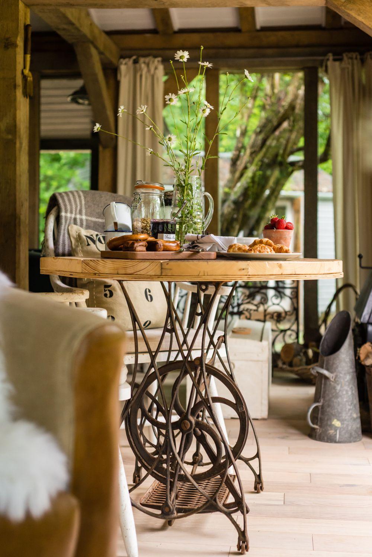 adelaparvu.com despre casa de vacanta pentru cuplu, Little Bear, Billingshurst, Sussex, Foto Unique Home Stays (5)