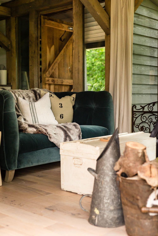 adelaparvu.com despre casa de vacanta pentru cuplu, Little Bear, Billingshurst, Sussex, Foto Unique Home Stays (6)
