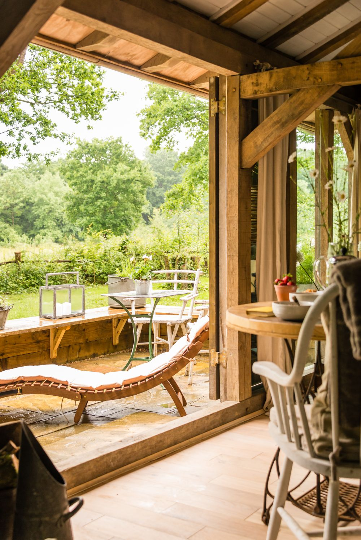 adelaparvu.com despre casa de vacanta pentru cuplu, Little Bear, Billingshurst, Sussex, Foto Unique Home Stays (9)