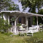 adelaparvu.com despre casuta de gradina in stil shabby chic, foto Deco und Style